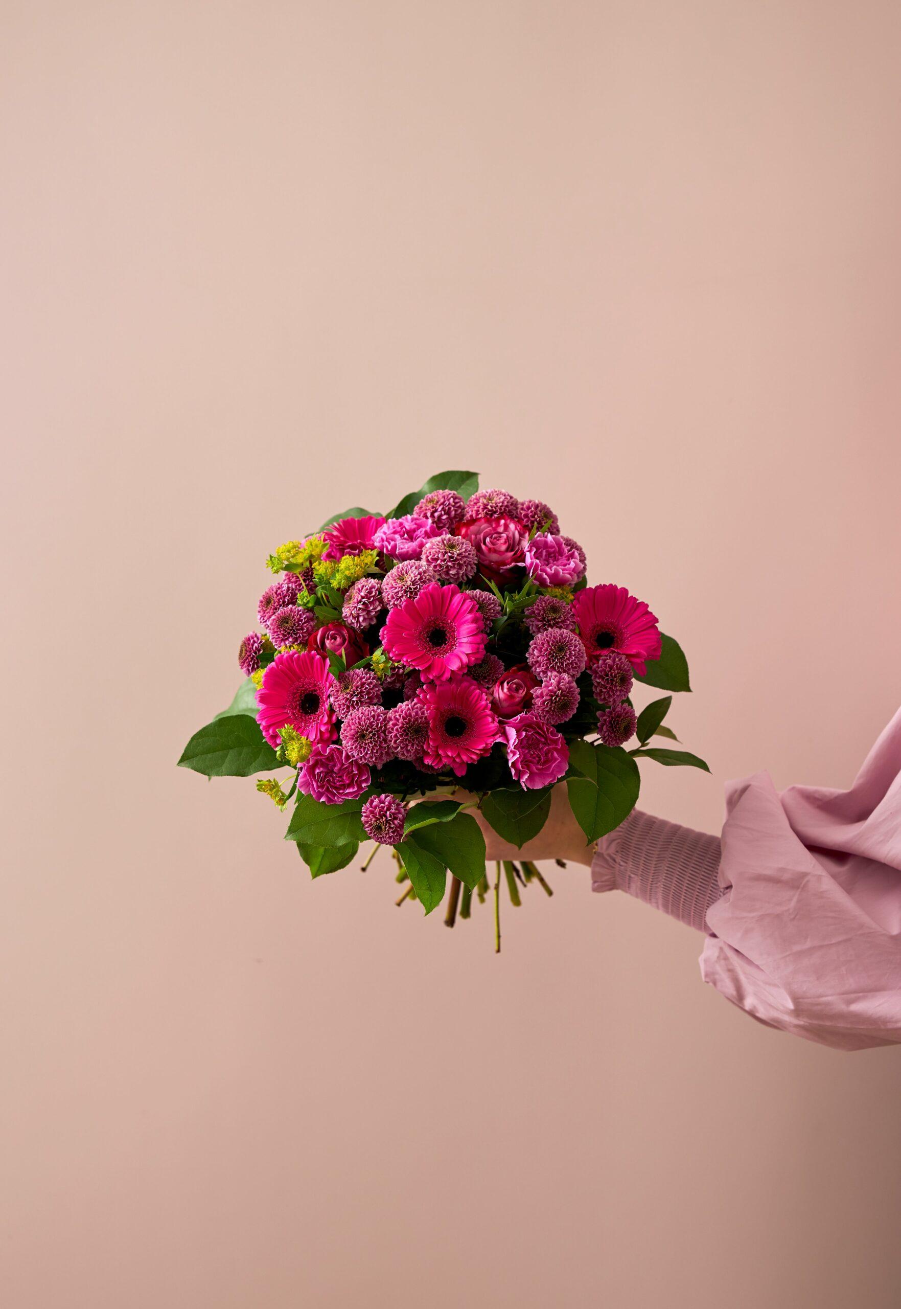 Flowr pink bouquet 2021