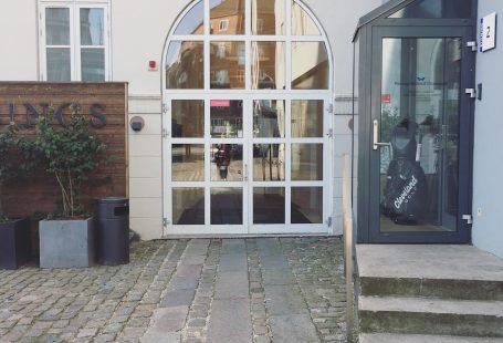 entrance to Bings! cph