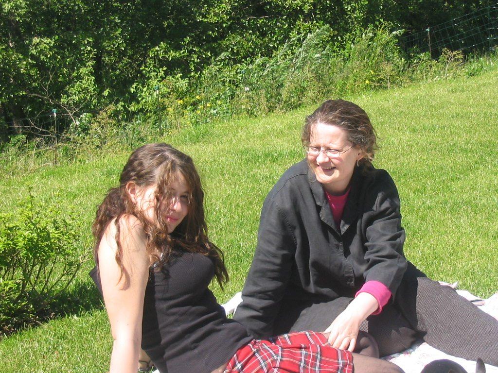 Leah as teenager and mom birgitte 2005