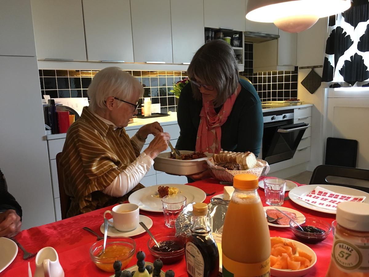 Mor og mormor på mors 56 års fødselsdag