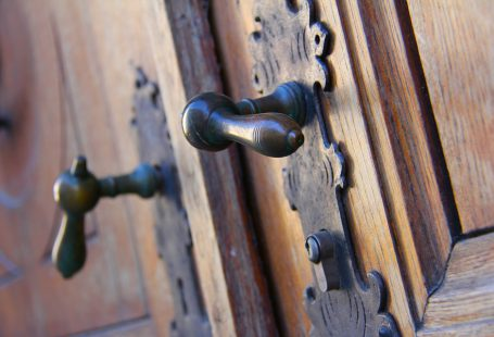 antique-door-handle